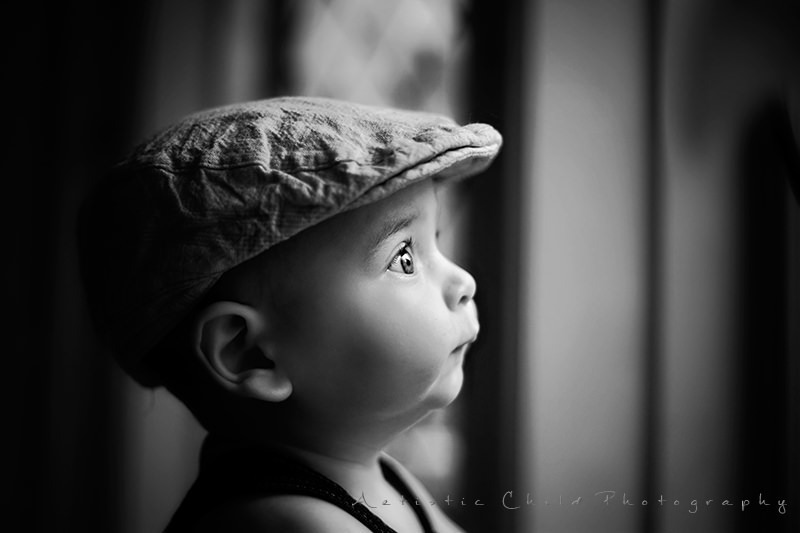 London baby photography services black and white profile portrait of a baby boy