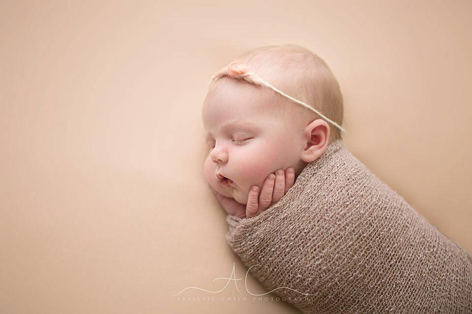 Best London Newborn Photos | profile of a newborn baby girl