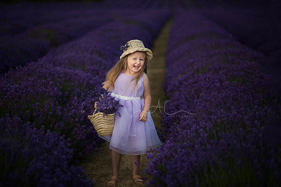 London children photo session in Lavender Field | 4 year old girl laughing in the middle of lavender field