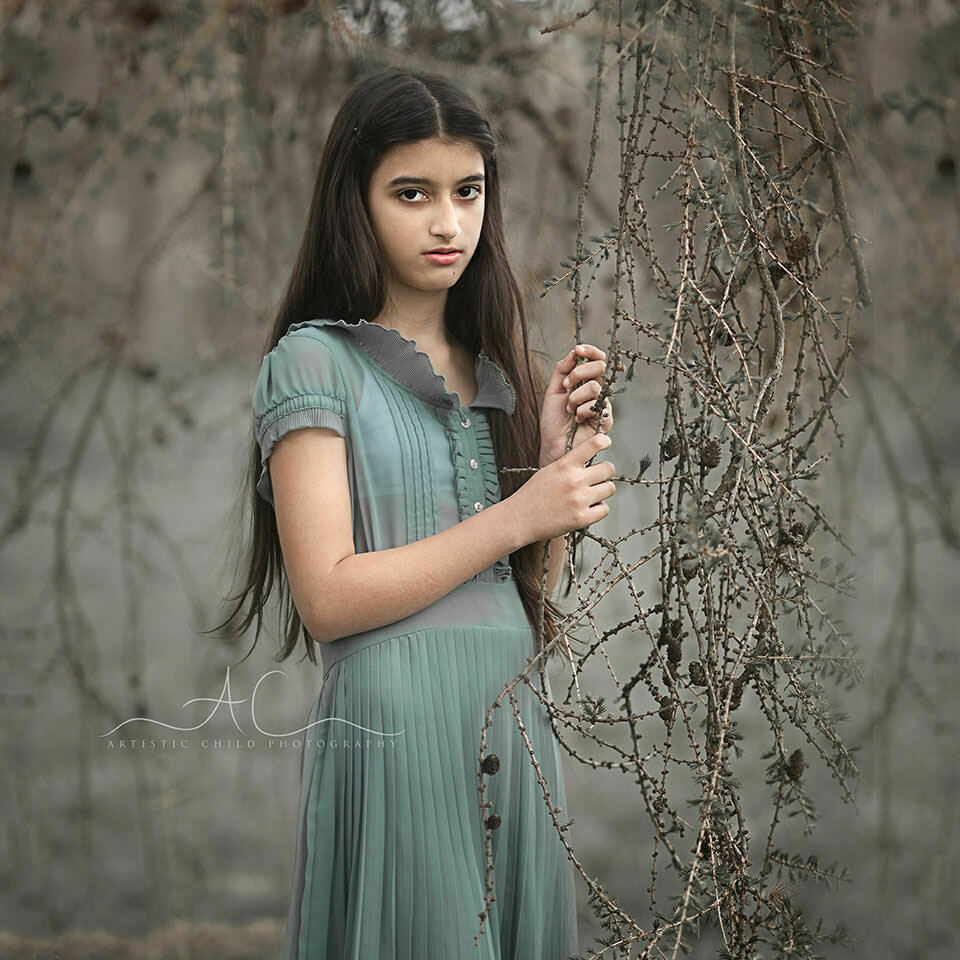 London Children Pictures | 12 years old girl posting for an outdoor portrait