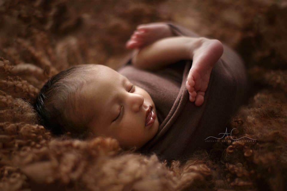 Bromley Newborn Baby Photos   backlit portrait of a 1 month old newborn baby boy
