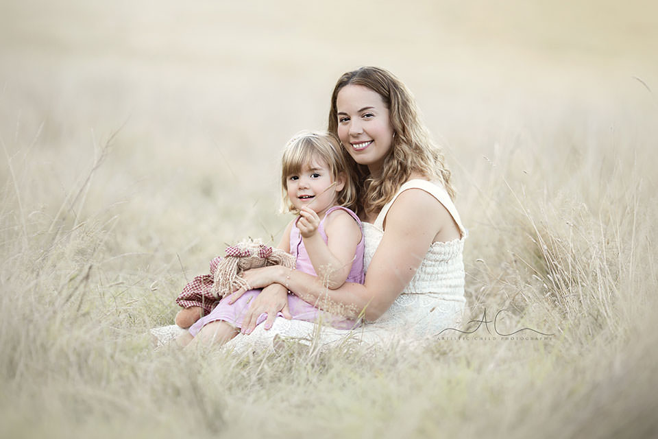 portrait of Mum and her 3 year old daughter | Bromley