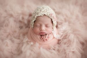 London Newborn Baby Girl Photo01.jpg