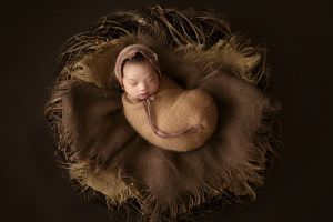 London Newborn Baby Girl Photo13.jpg
