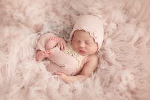 London Newborn Baby Girl Photo17.jpg