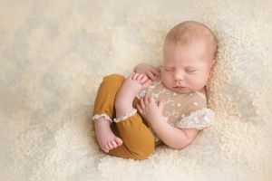 London-Newborn-Baby-Photography01.jpg